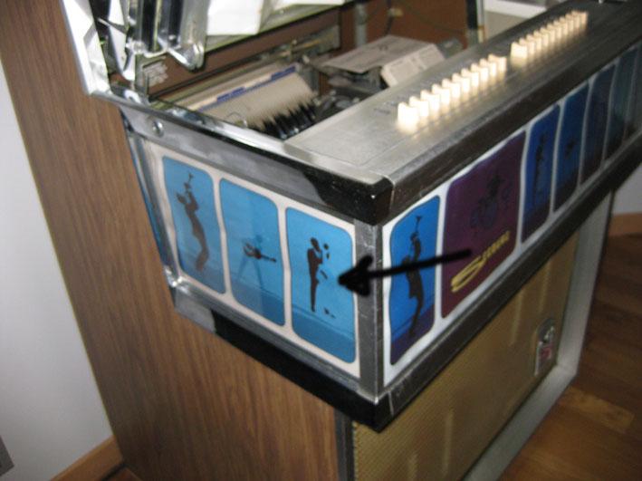 la riparazione del flipper seeburg s100 phonojet. Black Bedroom Furniture Sets. Home Design Ideas